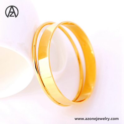 Fashionable Stainless Steel Gold Bangle